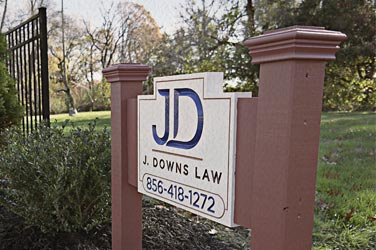 j-downs-law-office-sign-outside.jpg